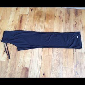 Nike Black Performance Sweatpants in Small